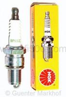 NGK - Zündkerze BPR 6 E (radioentstört) für Motoren mit eckigem Zylinderkopf (langes Gewinde)